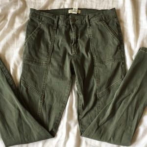 Forever 21 army green skinny jeans size 27